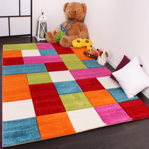 Detalles de la alfombra infantil de cuadros de Paco Home