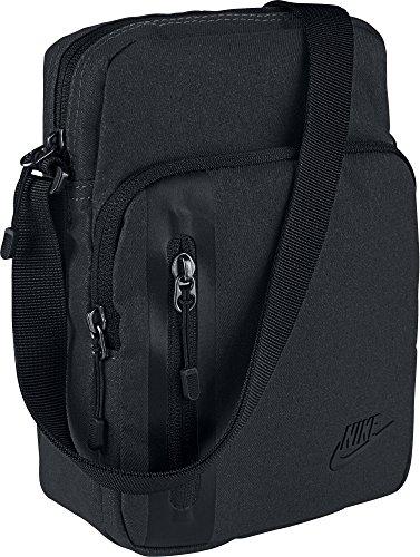 Detalles del bolso bandolera Nike Core Small Item 3.0